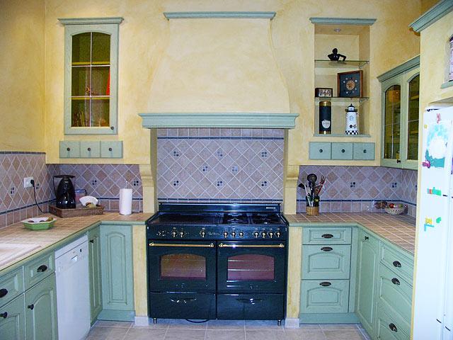 cr dence de cuisine et pose de fa ence toutes les id es pour une cuisine sublime. Black Bedroom Furniture Sets. Home Design Ideas